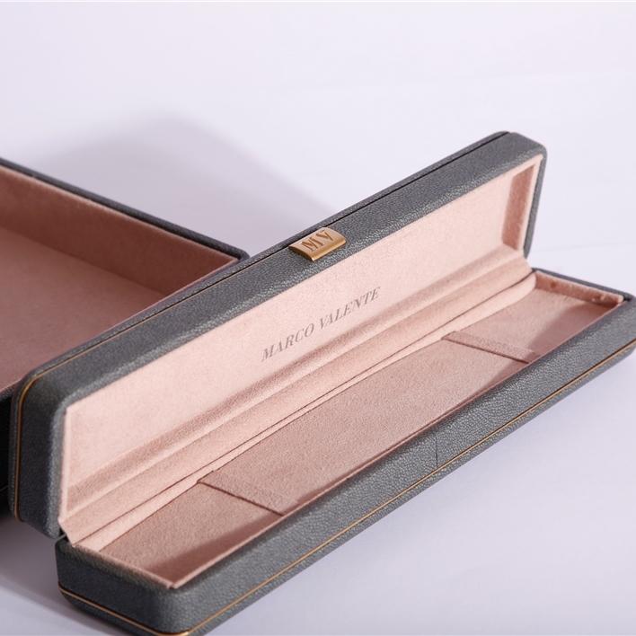 Astucci per gioielli - BRACCIALE 50 CMYK